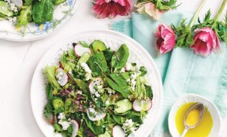 Приготовление легкого салата с редисом пошагово