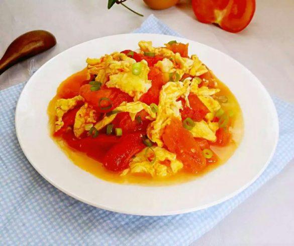 Жаренные помидоры с яйцами по китайски