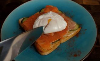 Рецепт вкусного завтрака с яйцом пашот