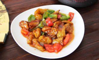 Жареная картошка с баклажанами и перцем по-китайски