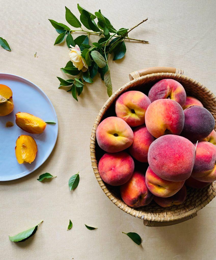 Летний райский фрукт: Персики