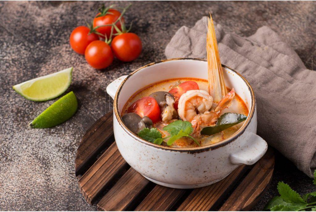 Реальная стоимость Тайского супа Том Ям. Стоит ли готовить дома?